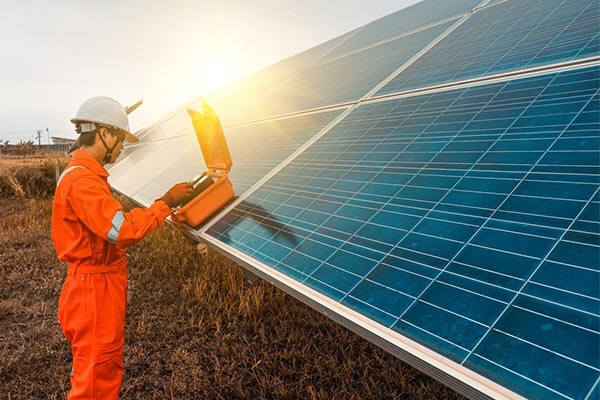 Solar panel size and maintenance
